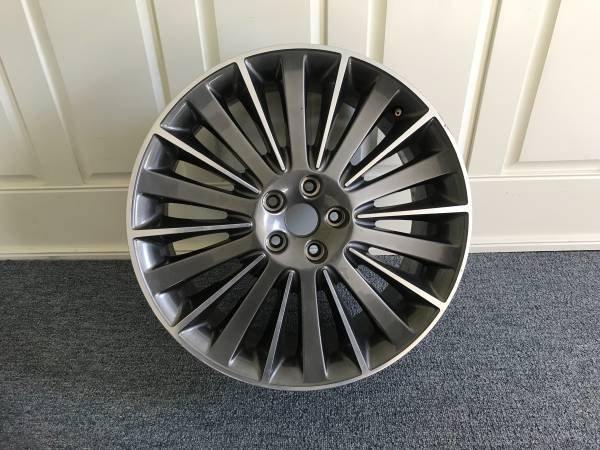 MKZ_wheel.jpg